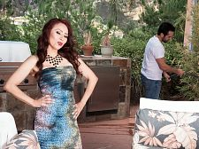 Red-hot SEXY HOUSEWIFE Claudia acquires ass-fucked by the gardener